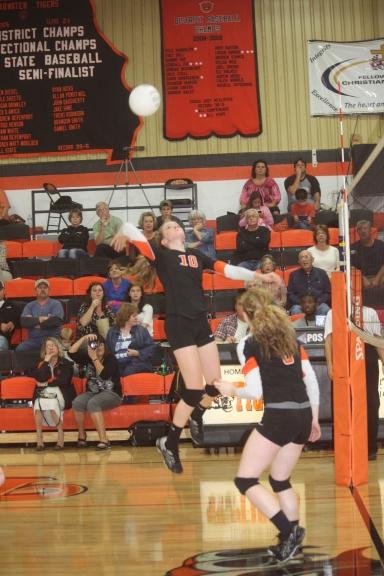 0 Roach Volleyball HS 117