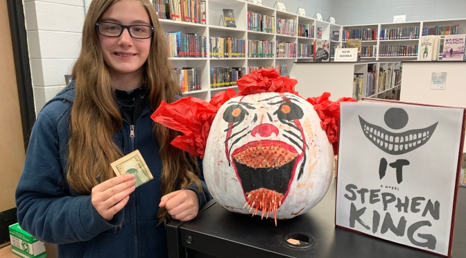 KYLIE AND PENNYWISE, PRIZE WINNING CHARACTER PUMPKIN!
