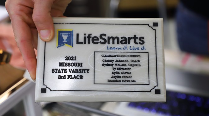 LIFESMARTS TEAMS RECEIVE AWARDS