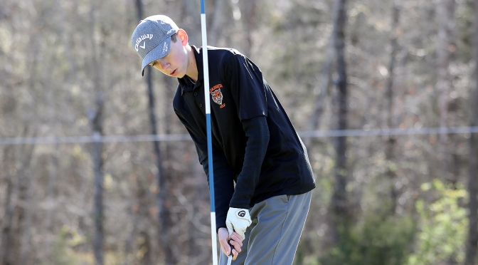 NORRIS AND HUTCHISON FINISH IN DISTRICT TOP 20 AND ADVANCE TO STATE GOLF CHAMPIONSHIPS